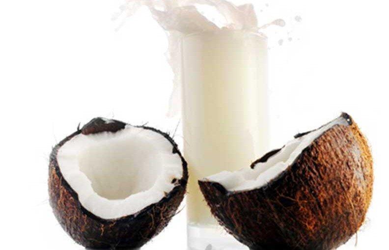 recette de lait vegetal aux petits fruits et aux noix